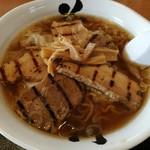 花鳥風月 - 料理写真:チャーシューワンタン麺 910円