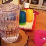 カフェ・クレーポ - お水はセルフで・・