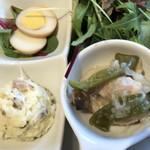77912057 - 燻製卵、ポテトサラダ、四万十鶏の南蛮漬け