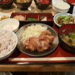 いっしん - 日替わり定食(鶏天ポン酢かけ、豚もつ煮込み)