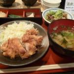 いっしん - 日替わり定食(鶏天ポン酢がけ、豚もつ煮込み)