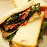 77915281 - 絶品サンドイッチできあがり!