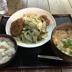 ドライブイン かかし - 料理写真:しょうが焼定食=780円