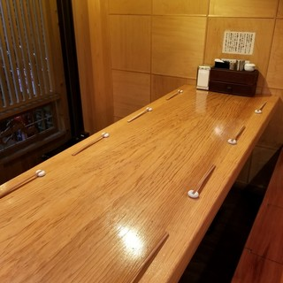 最大8名様テーブルで仲間と日本酒飲み比べ>一杯500円~