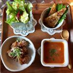 ニノ カフェ - 料理写真:サラダとおかず3品(じゃがいものガレット、ミネストローネ、大豆からあげ ごまポン酢)