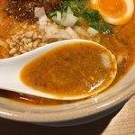 77929957 - 確かに「鳴龍」っぽい濃厚スープ