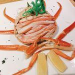 77930836 - 兵庫県香住産松葉カニの塩ゆで                       身の下のかに味噌も絶品!