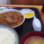 77931385 - モツ煮定食ご飯少な目560円