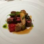 77932120 - LE SELLE D'AGNEAU]  ニュージーランド産 仔羊鞍下肉のロースト   初秋の野菜とブラックオリーブのコンディモンを添えて