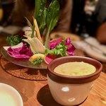 Lucaバル - 新鮮野菜のバーニャカウダ