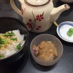 沼袋浜横丁 - 〆のお茶漬け