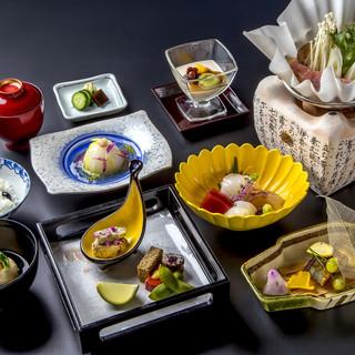 ご接待にぜひ。季節感を重んじる、伝統的な日本料理
