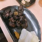鳥金 - 地鶏もも炭火焼き 小皿 800円