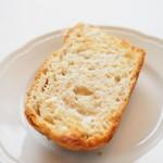 Restaurant Pigeon - ランチコース 3780円 の自家製全粒粉のパン