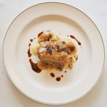 Restaurant Pigeon - ランチコース 3780円 の石川県産鰤の瞬間燻製 アルベールソース、ソースペリグー