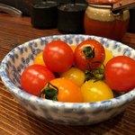 赤身とホルモン焼 のんき - ミニトマト