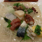 丸万寿司 - 造り盛り合わせ