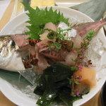 丸万寿司 - 真鯵活造り