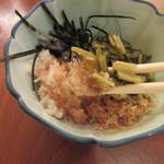 手打ち蕎麦 やなか - わさび菜の歯応えと大根の辛味を楽しむ