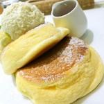 77942641 - 幸せのパンケーキ