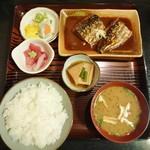 魚善 - 鯖の味噌煮定食 1000円