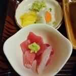 魚善 - プチ刺身とお新香