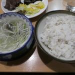 味の牛たん 喜助 - 麦めしにテールスープ