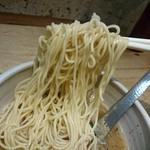 ユウジ ラーメン - 麺リフト