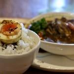 HORI cafe - ゆで卵とご飯