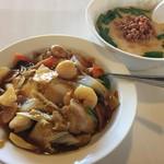 中華料理 福成 - 料理写真:豚骨台湾ラーメン+中華飯 700円
