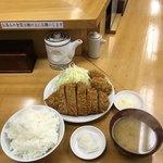 とんかつ いちよし - ロースかつ定食とカキフライ2個('17/12/14)
