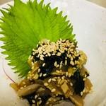 薩摩地鶏で むね肉たたきのとりわさorしびれどり