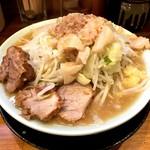 ラーメン 盛太郎 - ラーメン(650円)ヤサイ、背脂、にんにく小
