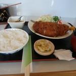和食富味 - ドン勝いやとんかつ(大)1400えん。ブ厚いニグに良く揚げ系サク衣。
