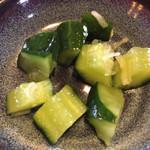 焼肉 ふじ咲 - 塩辛くてご飯が進むつけもの。