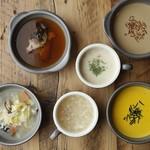 本日のスープ2種(洋・中)