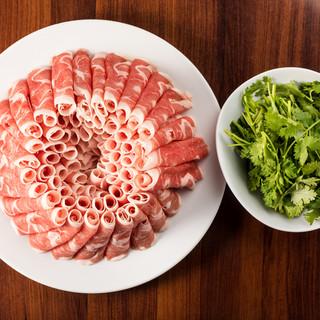 火鍋×ラム肉×パクチー