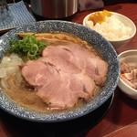 77966707 - 煮干し鶏豚骨(750円)+唐揚げセット(300円)