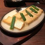 和食肉酒場 肉箸 - 醤油漬け豆腐の鉄板ステーキ