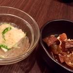 和食 いぶり - 一夜豆腐の蟹あんかけ&牛タンの時雨煮