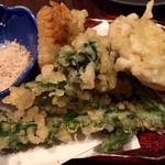和食 いぶり - 広島県産牡蠣と冬野菜の天ぷら