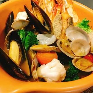 沼津港のシーフード料理
