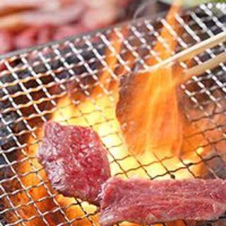 近江牛や厳選食材をふっくら炭火焼き