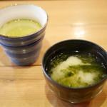 九州 熱中屋 - お茶・味噌汁(サービス)