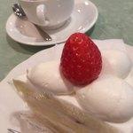 ボン・オグラ - 料理写真:甘さ控えめクリーム
