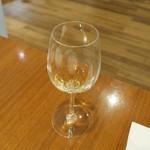 シャトン - サービスの白ワイン