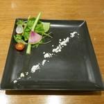 シャトン - 県産有機野菜のサラダ仕立て