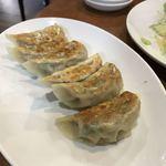 純華楼 - 焼き餃子(6個) ¥420    めちゃくちゃ美味しい
