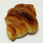 手づくりパン un cote - 料理写真:クロワッサン(162円)