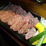 ヤキニク ルース - 和牛上カルビ(塩)(1,580円)と和牛上ロース(塩)(1,680円)